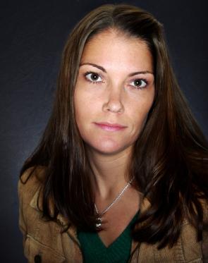 julie-cross-author-photo-credit-to-christian-doellner